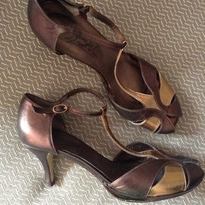 JEFFREY CAMPBELL bronze 1920's style T-straps 9